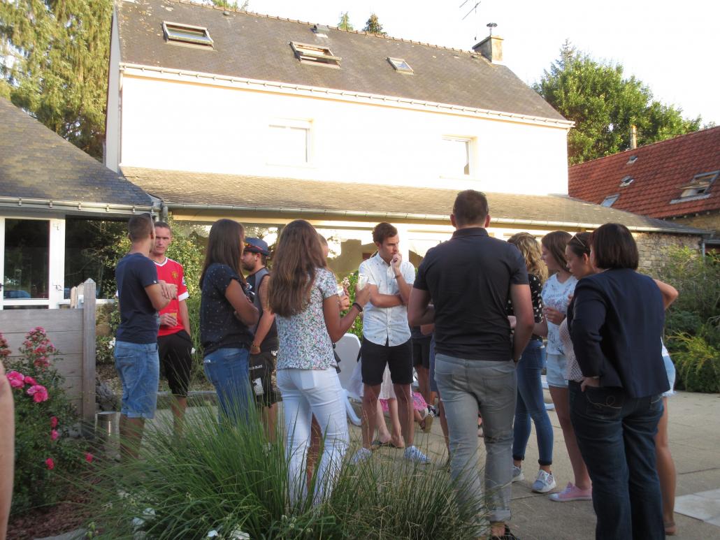Grand gîte de groupe avec piscine pour vacances en famille en Bretagne