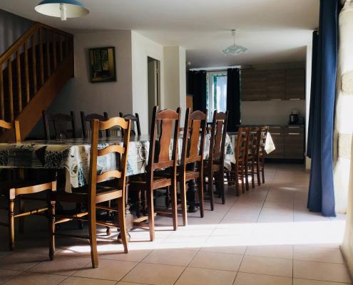 Location gîte de groupe en Bretagne avec grande salle à manger